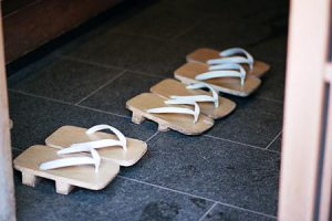 japan_gion_slippers_300